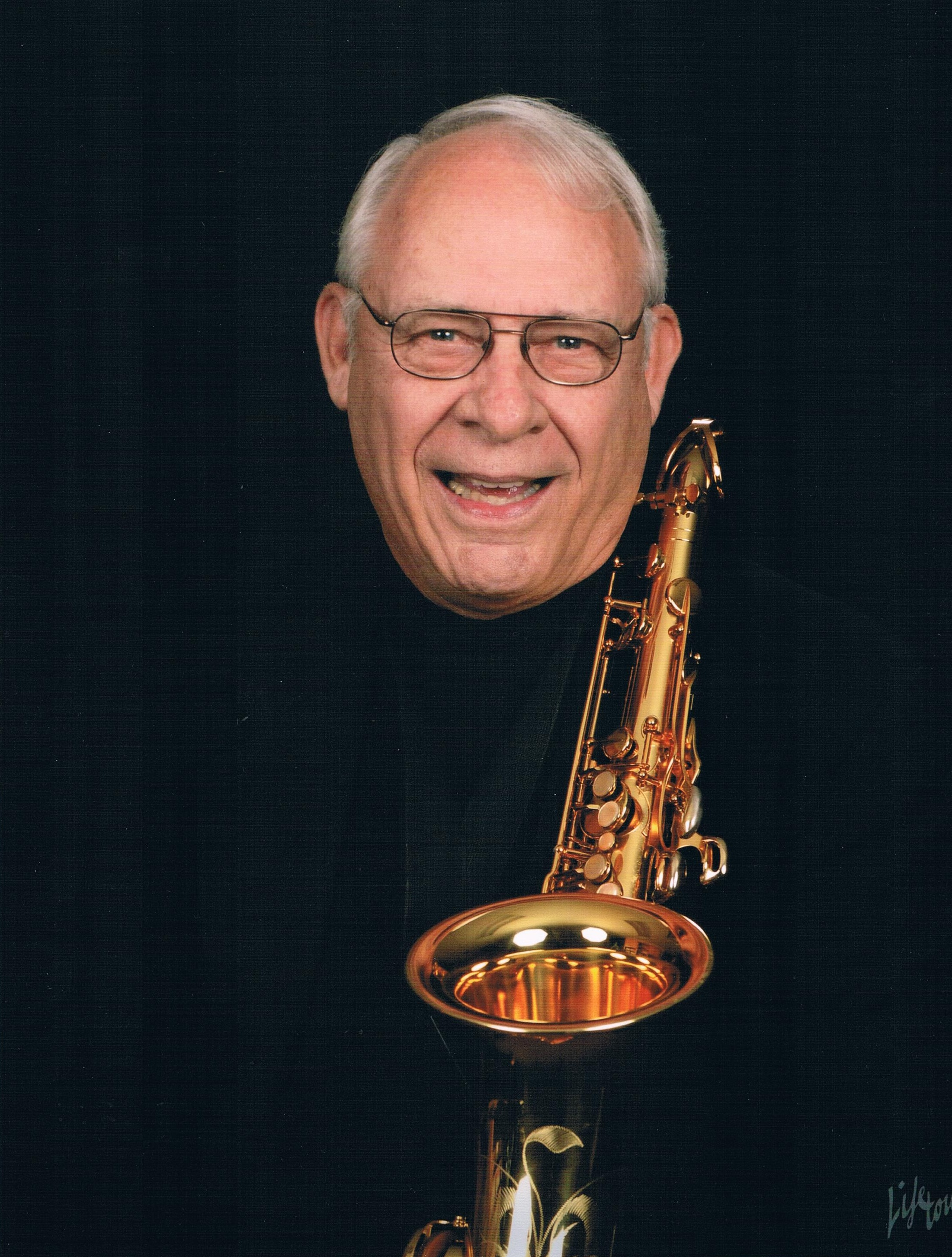 Musician and singer for hire: entertainer Frank Saxton Entertainer - the Las Vegas Saxman